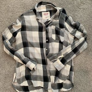 Black and white buffalo plaid button up